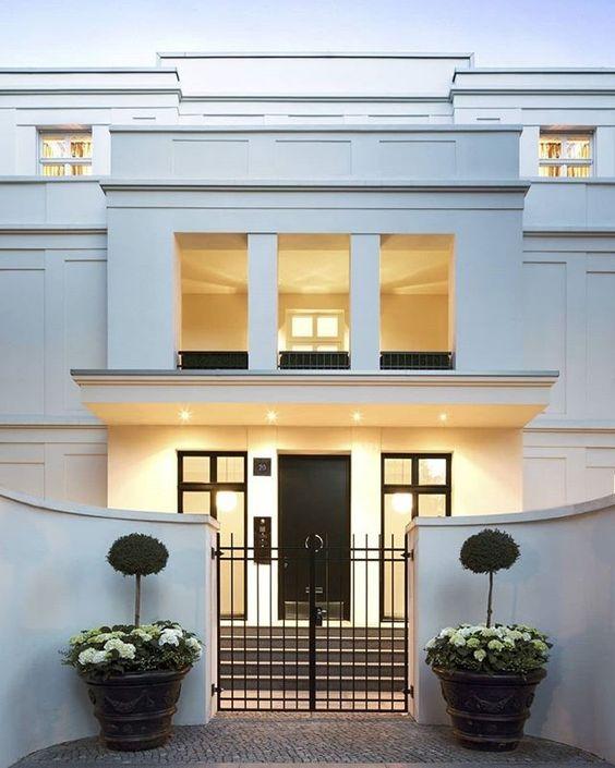 Casa con fachada sencilla elegante