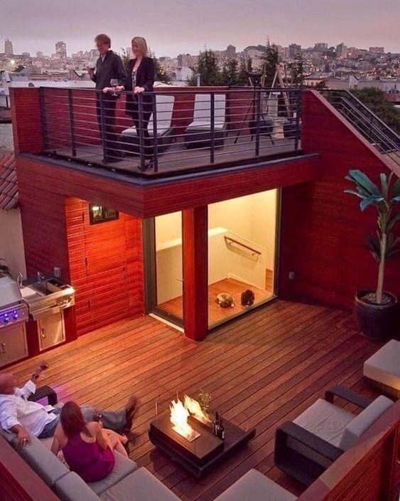 Casa con terraza pequeña para reuniones