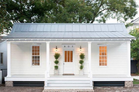 Casa pequeña en tono blanco