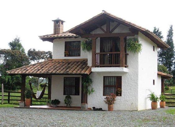 Casa rústica con diseño de teja