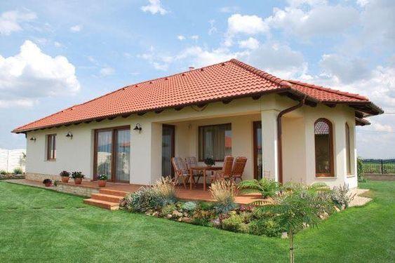 Casa rústica pequeña con teja