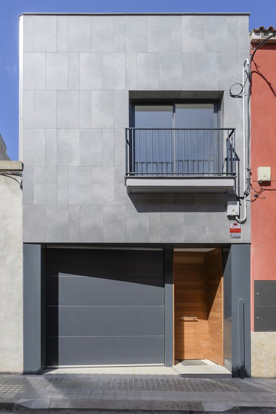 Dúo tono para fachada de casa angosta