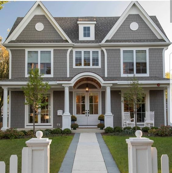 Fachada de casa americana tipo residencial