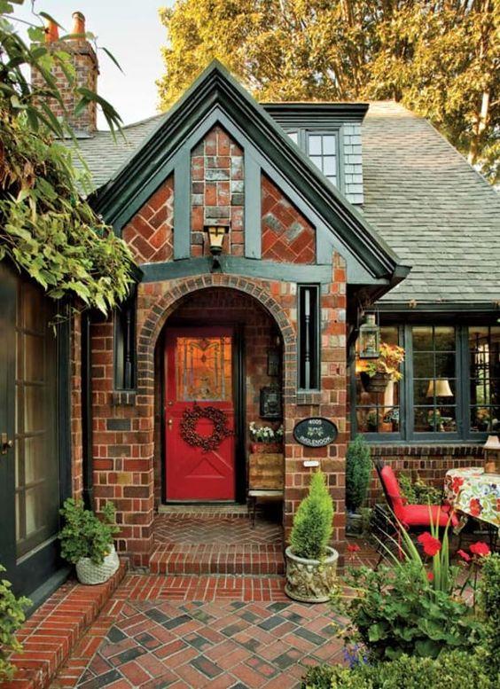 Fachada de casa con estilo tudor