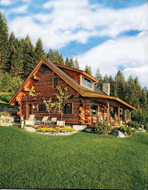 Fachada de casa de madera estilo campo
