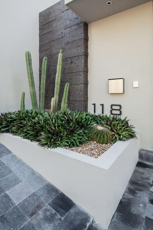 Jardinera de concreto para fachada
