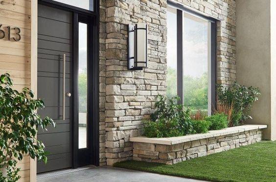 Jardinera de piedra de cantera para fachada