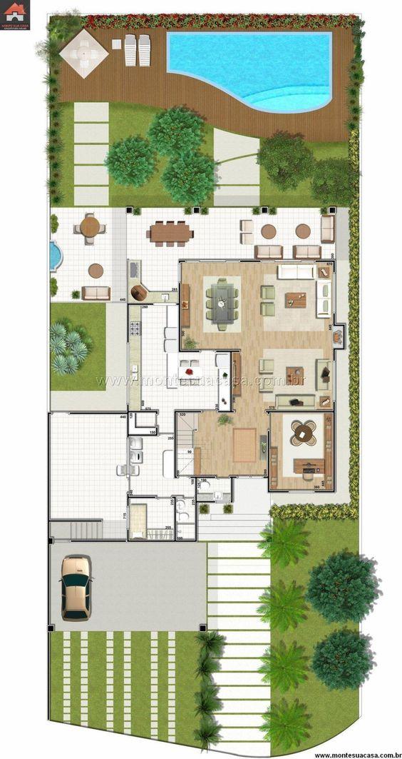 Propiedad residencial con piscina y jardín delantero largo