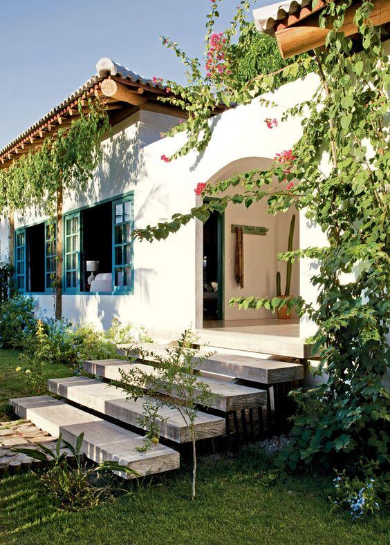 Casa blanca sencilla para fachada vintage