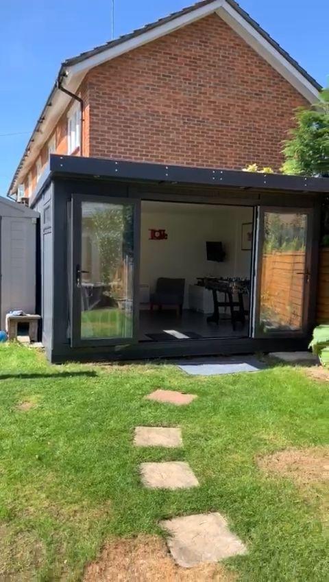 Fachada de patio trasero moderno