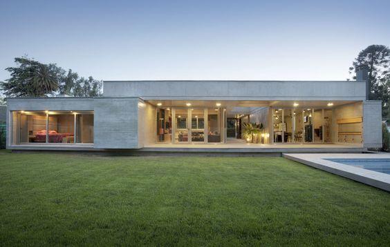Fachadas de casas de una planta modernas