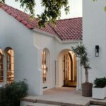 Fachadas de casas tipo hacienda modernas