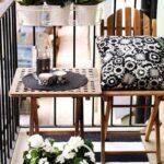 Balcones pequeños y modernos decorados en blanco y negro