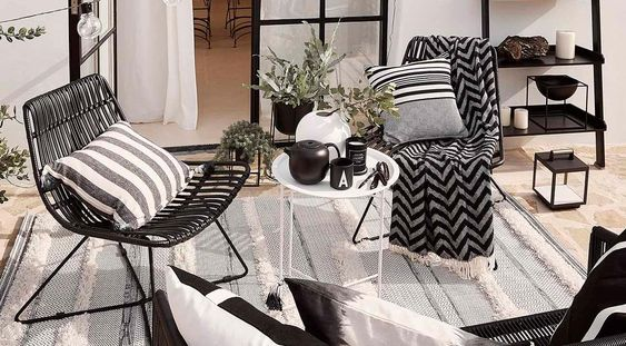 Accesorios decorativos para balcones modernos en blanco y negro