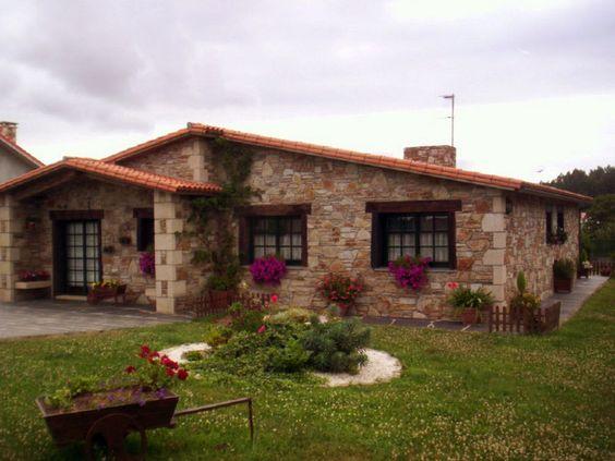 Casas tipo finca con jardín