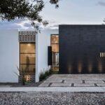 La importancia de las ventanas y puertas en una fachada bonita