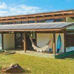 Casa lujosa pequeña, simple de fachada minimalista