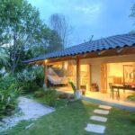 Opciones de casas de campo rodeadas de jardín