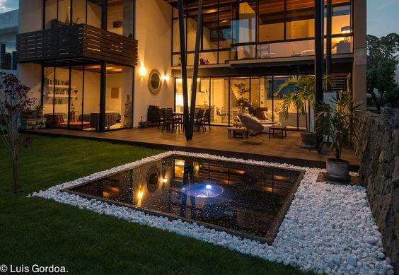 Fachadas de casas ecológicas sustentables