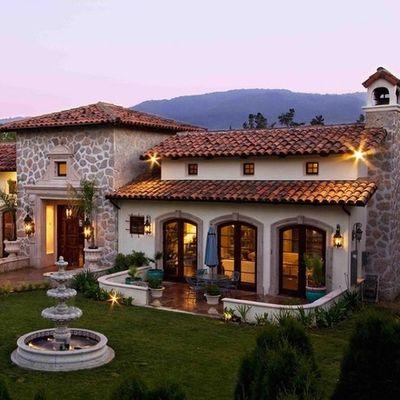 Fachadas de casas estilo colonial español